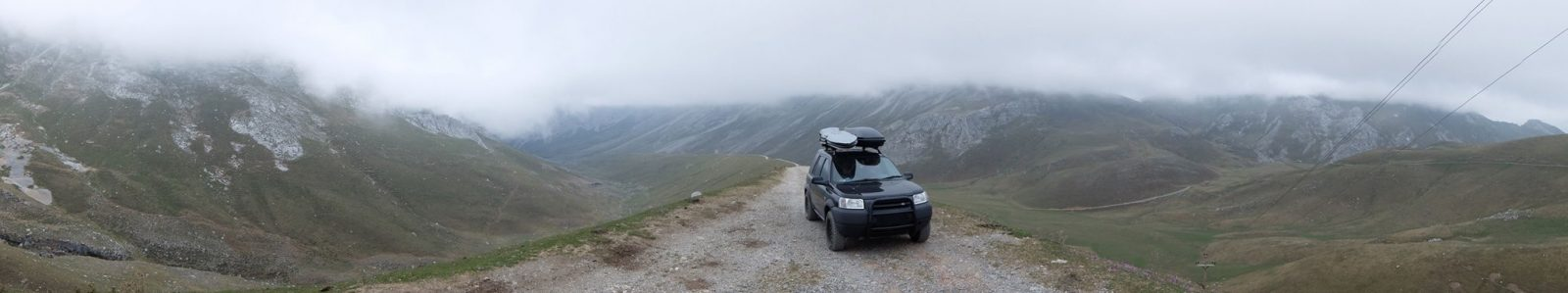 Land Rover Freelander on the Ruta del Cares